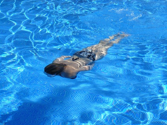 plavání ve vodě