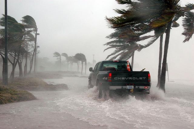 hurikán dennis