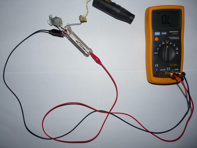 elektrický měřící přístroj