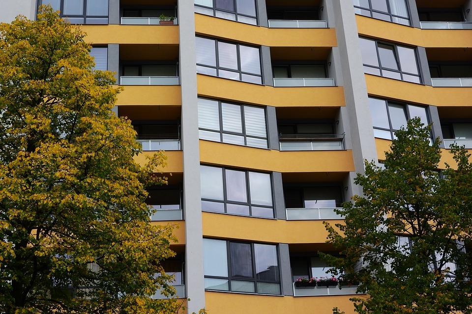 Společenství bytových jednotek a družstva