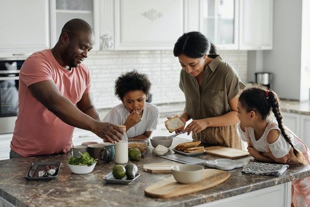 Kuchyně, ve které se bude dobře vařit i žít